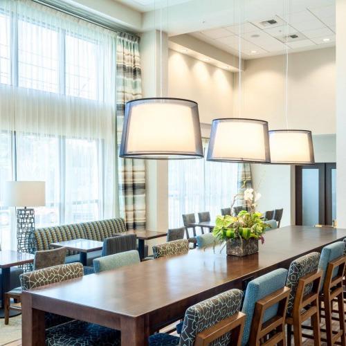 Hampton Inn & Suites Seattle Northgate Main Floor