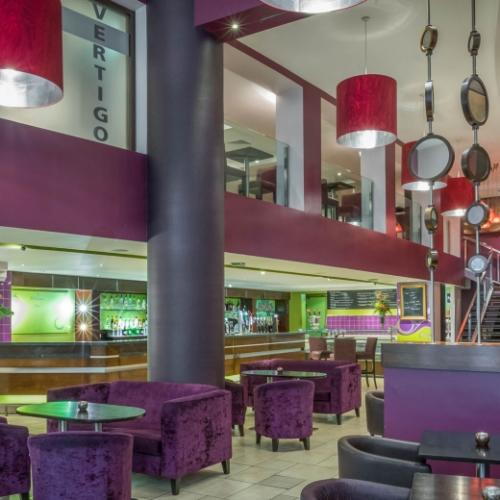 Vertigo-Bar-Clayton-Hotel-Cardiff-Lane-950x520_c